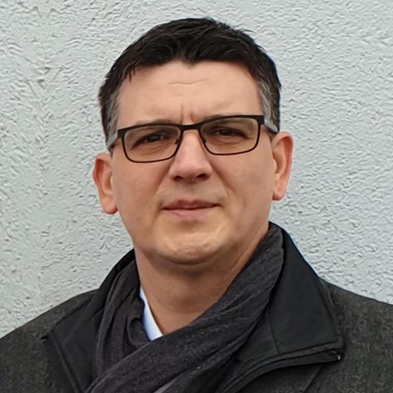 Rofa Müvek Roland Lakatos